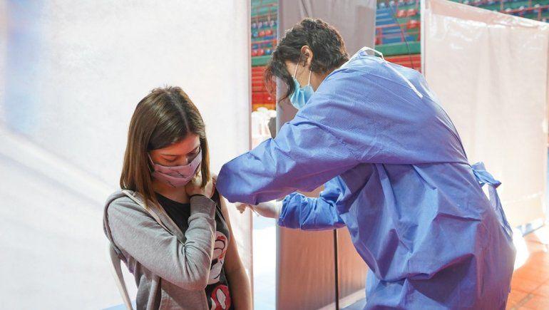 Con la llegada de Pfizer, empezó la vacunación a adolescentes sin factores de riesgo