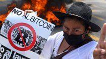 el salvador: nuevas protestas contra el bitcoin como moneda de curso legal
