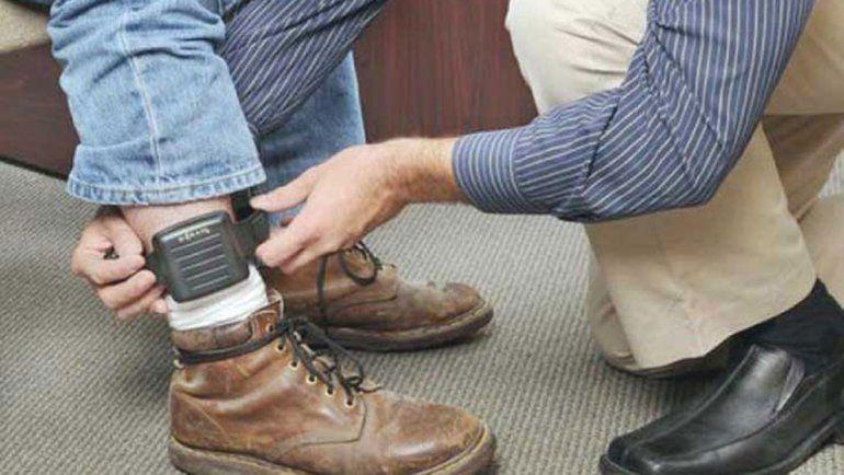 La Policía abatió a un ladrón que se quitó la tobillera para robar