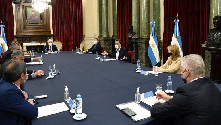Massa, Uñac y Sagasti se reunieron para promover el desarrollo vitivinícola