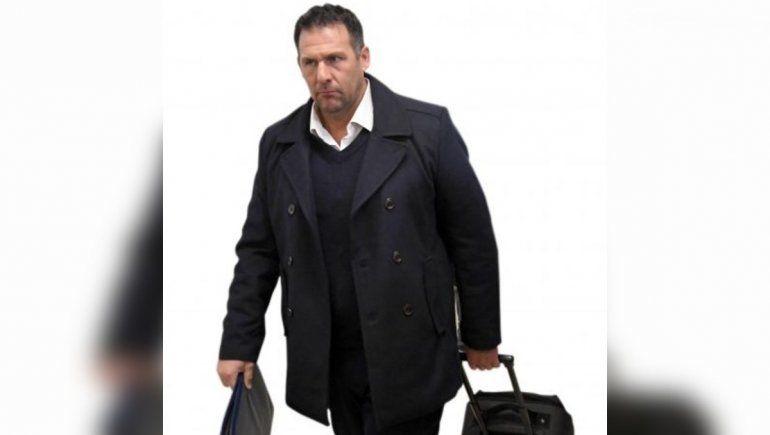 Triste y solitario final: Dabove no resistió otro fracaso y se fue de San Lorenzo