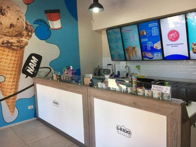 Desde este mostrador, regalaron helados en Villa La Angostura.