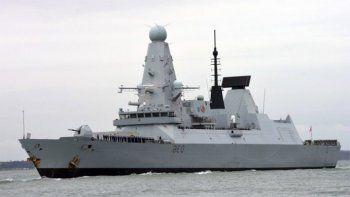 aviones y barcos rusos apuntaron a un buque de guerra britanico