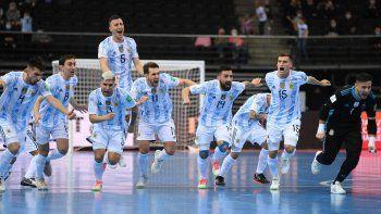 ¡argentina, a semis del mundial de futsal! penales y la reaccion de messi