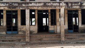 secuestran a mas de 300 alumnas de una escuela secundaria