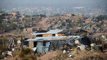 buenos aires: kicillof da un plan para los que ocupan tierras