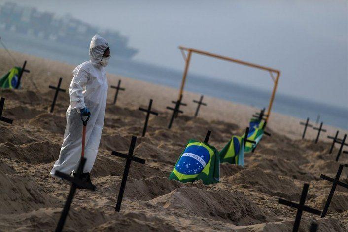 Los especialistas que investigan el Covid en Brasil ruegan a Bolsanaro que pospongan la Copa.