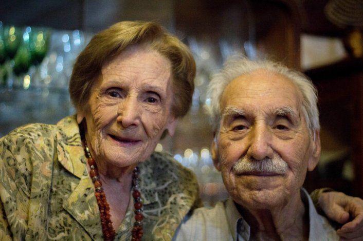 Amor de titanio: María y Mario celebran 70 años de casados