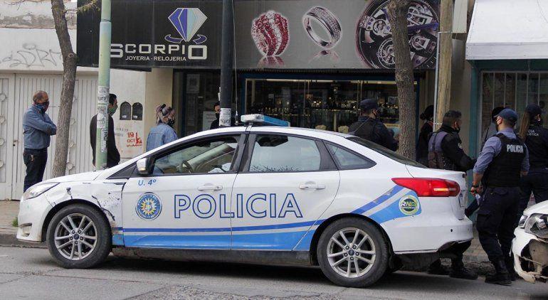 Con un boquete, robaron la joyería Scorpio de Cipolletti