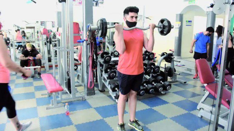 Los gimnasios vuelven con estrictos protocolos y actividades individuales.