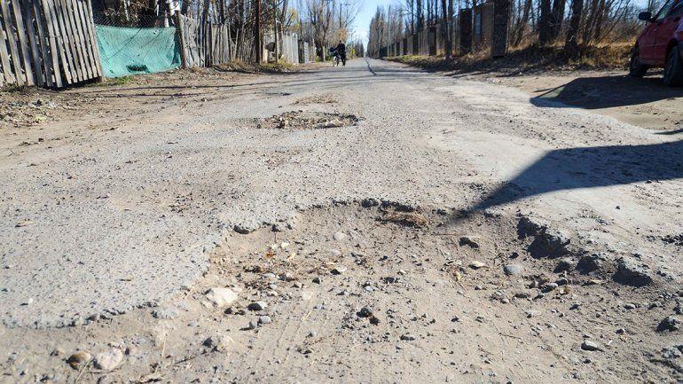Vecinos de calle Futaleufú piden que no pasen más camiones y que realicen el asfalto