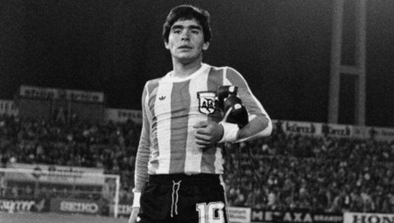 A 44 del debut de Maradona en la Selección: el comienzo del sueño