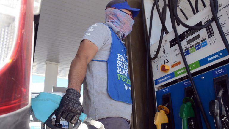 YPF aumentó el precio de las naftas por segunda vez en el mes