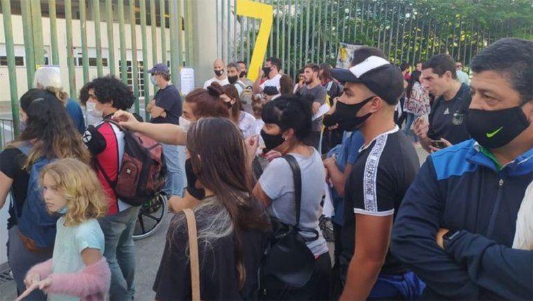 Hinchas argentinos y brasileños falsificaron pruebas PCR para conseguir una entrada