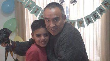 Luciano junto a Francisco, su hincha número uno que lo alienta desde el cielo.