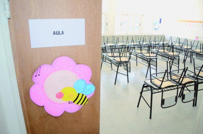 Las clases presenciales volverán en marzo pero en el verano se trabajará con los casos de abandono.