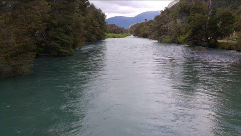 Un neuquino murió ahogado en el río al rescatar a su nieto