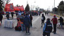 organizaciones sociales siguen con el corte en los puentes carreteros