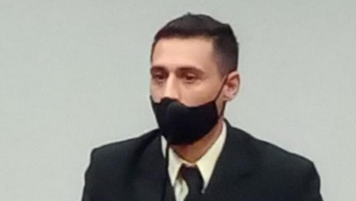 interpol busca al guardia que mato a su ex y a su hijo
