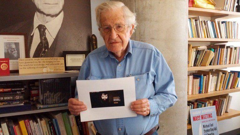 Artistas e intelectuales del mundo reclaman la aparición de Santiago