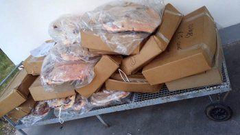 Los atrapan con 364 kilos de carne vencida escondida en un auto