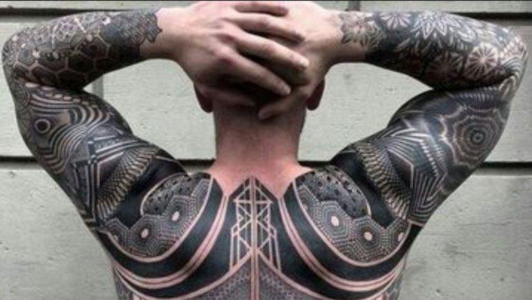 Los tatuajes grandes atentan contra la regulación de la temperatura corporal