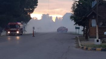 Voraz incendio en Vista Alegre: trabajan seis dotaciones de bomberos