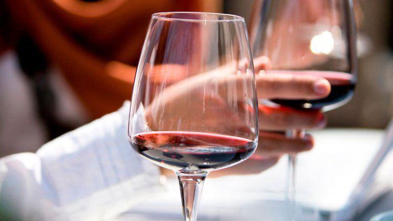 Las diferencias entre un vino tinto corpulento y uno liviano