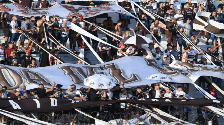 Platense busca volver a primera división después de 22 años.