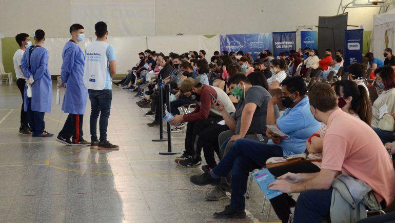 COVID: qué vacunas se aplicarán este lunes en la provincia