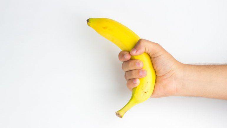 La peligrosa moda de masturbarse con cáscara de banana