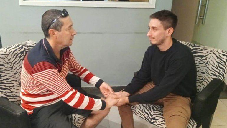 Historia de amor en Zapala: un padre le donará un riñón a su hijo