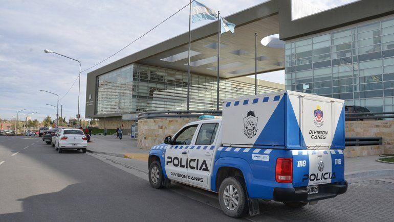 Albañiles amenazaron a un adolescente y le robaron