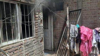 Dramático rescate de una familia en el incendio de una casa