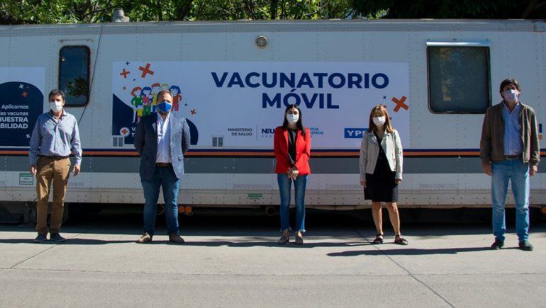 En pandemia, suman dos vacunatorios móviles en la ciudad