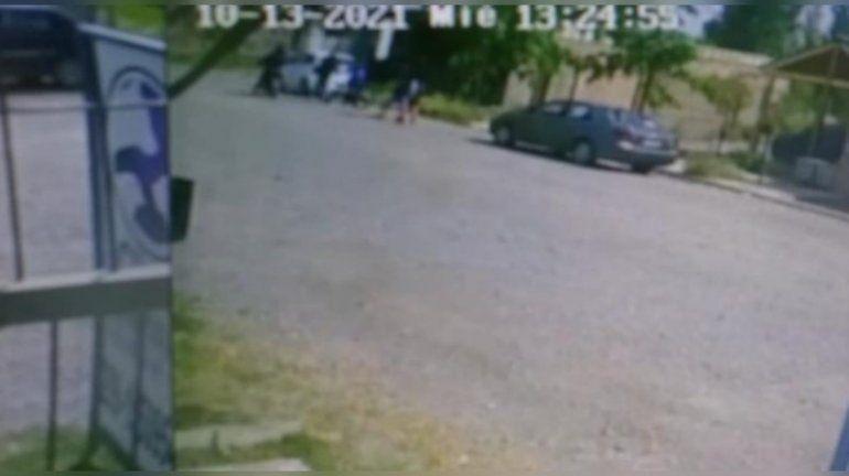 Video: motochorros armados le robaron a tres nenes de 12 años