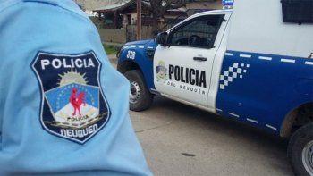 Descubren a policías neuquinos en dos fiestas clandestinas