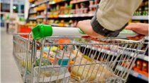 el gobierno lanzo el programa super cerca, el cual fija los precios de 70 productos