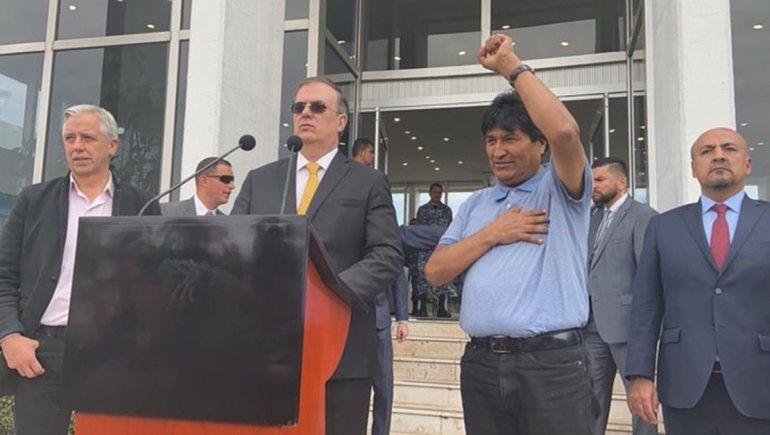 Evo Morales pisó México tras una odisea y llegó sano y salvo
