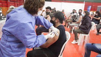 Cómo será la vacunación de este viernes en la provincia