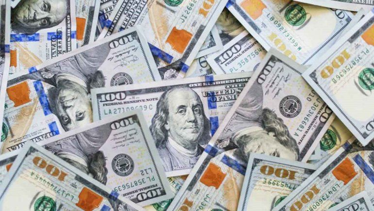 Así cotiza el dólar oficial y el blue este 10 de junio