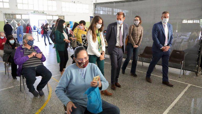 Una ministra de Nación visitó el vacunatorio del Colegio Don Bosco