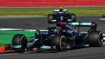 Lewis Hamilton ganó de forma polémica la carrera de la Fórmula 1 en Silverstone