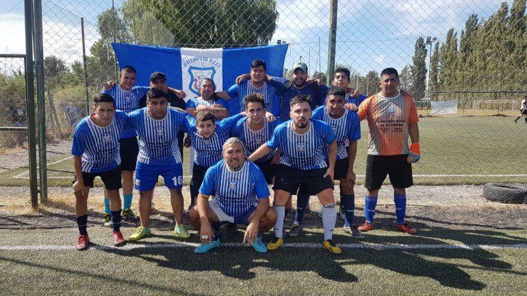 Deportivo Latino, el equipo que fundó el Brujo.