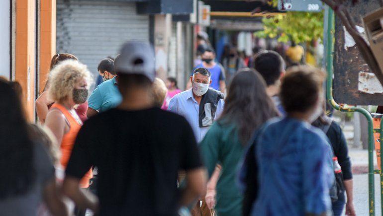 Testeo en la calle: el 15% de los neuquinos aún no aprende a usar barbijos