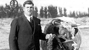 antonio bosch: el primer repartidor de lecheen neuquen