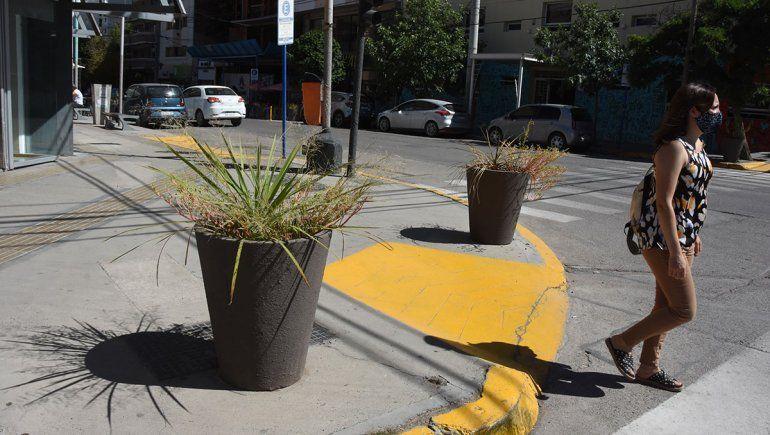 La Muni explicó el motivo detrás de las macetas que aparecieron en toda la ciudad