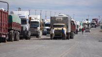 el drama de los camioneros varados en zapala: estamos muy cansados