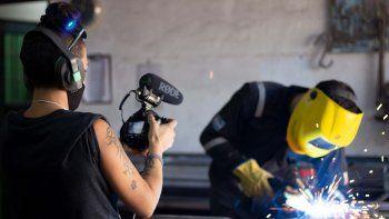 la cooperativa de mujeres cineastas que fue premiada por su primer corto