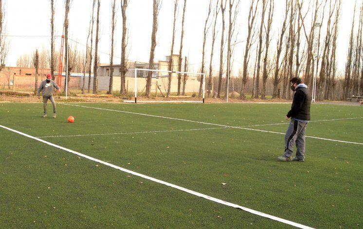 Fútbol 5: habilitado en el interior en el formato Metegol humano